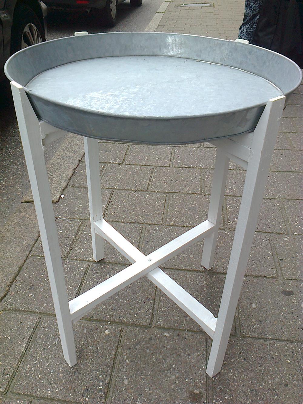 Splinternye Rundt metal bakkebord hvidt træstel - Se Hvide møbler CF-75